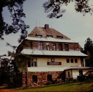 Ferienheim des VEB Arzneimittelwerk Dresden im Erzgebirge, 1976