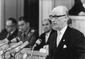 Johannes Dieckmann auf 14. Volkskammersitzung
