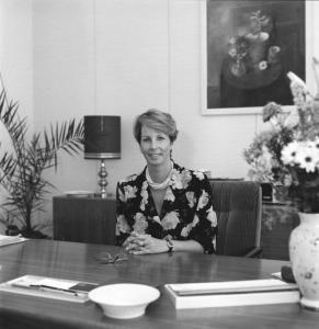 ADN/Elke Schöps/13.8.90/Berlin: Dr. Sabine Bergmann-Pohl, Präsidentin der Volkskammer der Deutschen Demokratischen Republik und amtierendes Staatsoberhaupt.