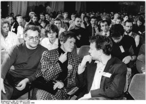 ADN-ZB-Kluge-17.12.89-fd-Leipzig: Parteitag Demokratischer Aufbruch. Der Gründungsparteitag des Demokratischen Aufbruch setzte seine Arbeit fort. Am Eröffnungstag hatte die Präsidentin des BRD-Bundestages, Prof. Dr. Rita Süssmuth, Grüße an die über 250 Delegierten aus allen Teilen der DDR überbracht.