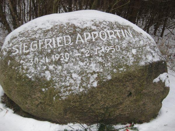 Gedenkstein für Siegfried Apportin