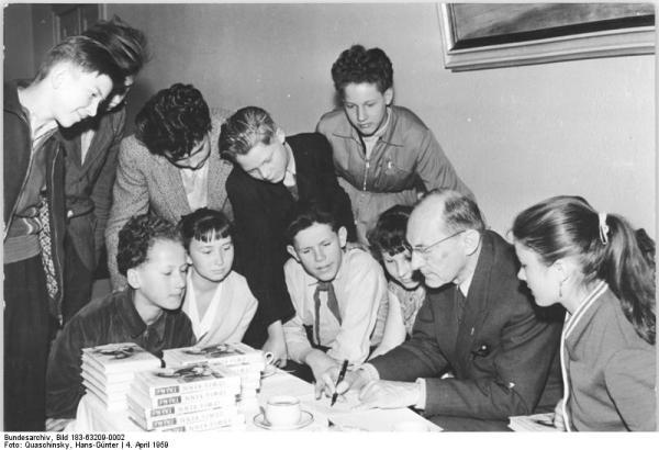 Berlin, Jugendstunde, Ludwig Renn