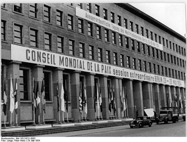 Berlin, Finanzministerium, geschmückt