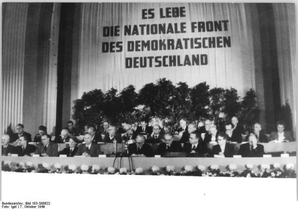 Berlin, DDR-Gründung, 9. Volksratsitzung, Präsidium