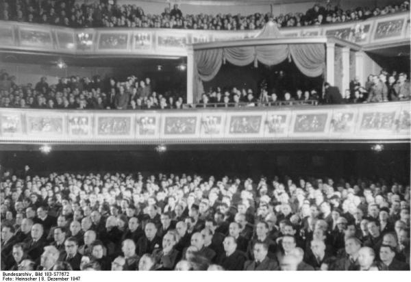 Berlin, Volkskongress in der Staatsoper