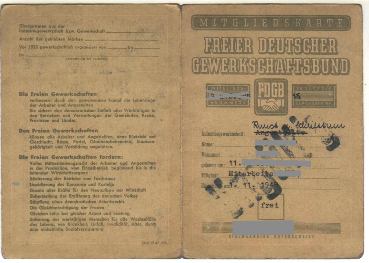 FDGB-Mitgliedskarte_von_1948_Aussenseiten