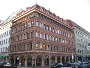 Otto-Nuschke-Haus (Charlottenstraße 53:54), Zentrale der Ost-CDU, gebaut 1981-85