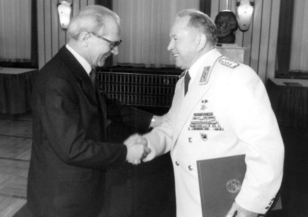 30 Jahre MfS, Erich Honecker, Erich Mielke