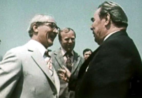 Honecker mit Breschnew