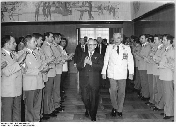 Berlin, Militärakademie- Absolventen, Empfang