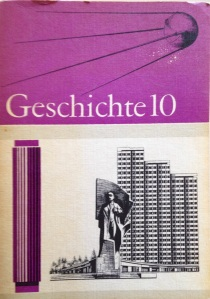 Geschichtsbuch DDR 10