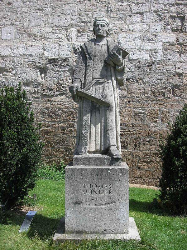 Thomas-Müntzer-Denkmal vor dem Frauentor in Mühlhausen:Thüringen