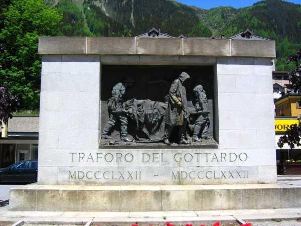 Das Denkmal von Vincenzo Vela