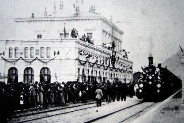Der Eröffnungszug in Bellinzona