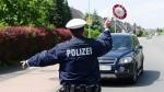 polizist stoppt raser