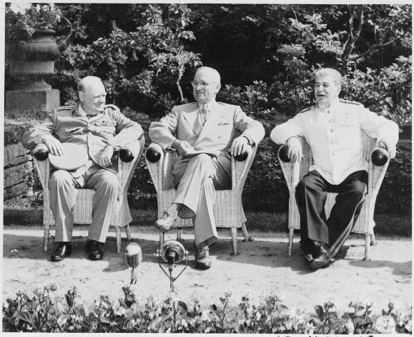 Potsdamer Konferenz- Winston Churchill, Harry S. Truman und Josef Stalin im Juli 1945
