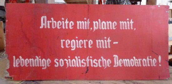 Arbeite, plane und regiere mit DDR