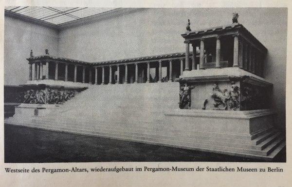 Westseite Pergamon-Altar