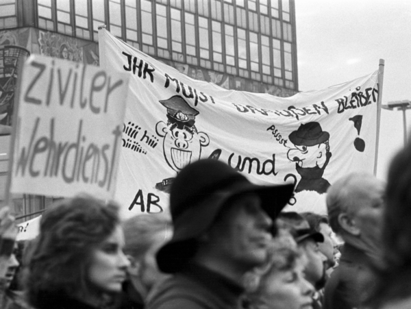 Demonstrationszug am 4. November 1989