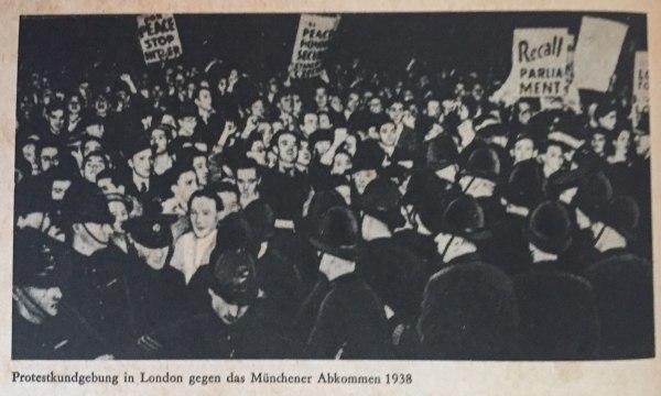 Demo in London gegen Münchner Abkommen 1938 Kopie