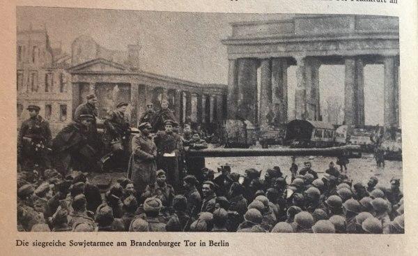 Sowjetarmee an Brandenburger Tor